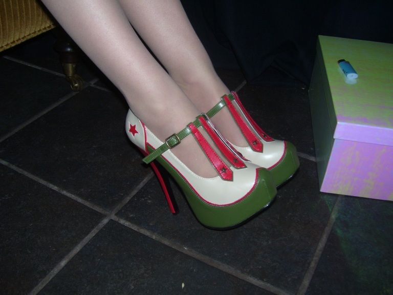 Seriously, fabulous shoes worn by one of the Two Back Flats models. (Photo by Paulette W.).
